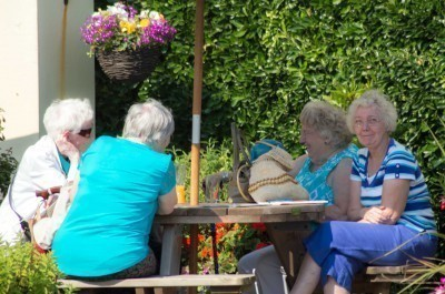 ladies-at-lunch